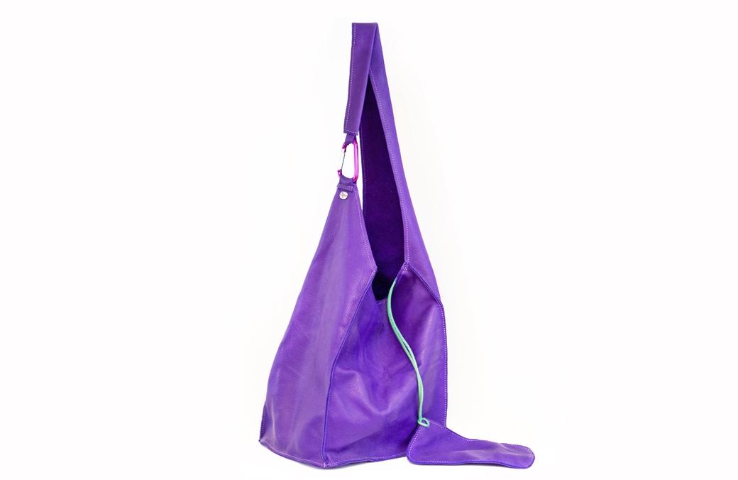 geanta indigo cu carabina
