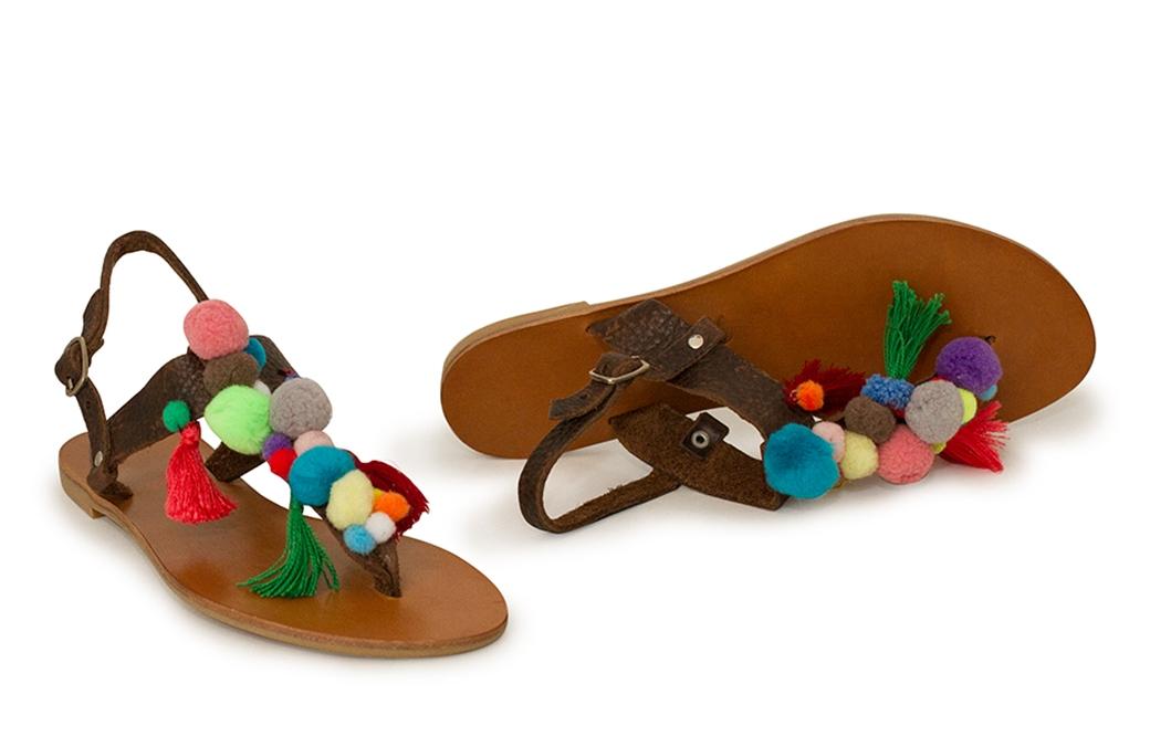 sandale cu ciucuri