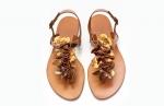 sandale cu flori aurii