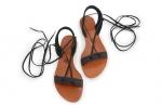 sandale negre cu snur