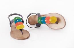 sandale cu buline colorate